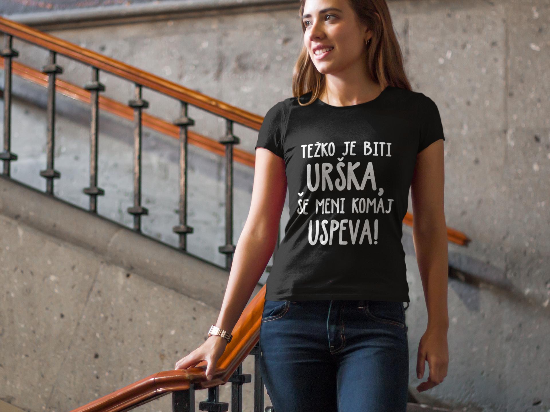 Smešna majica težko je biti!